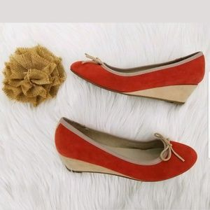 Boden Wedges Size 8 Orange Suede With Bows